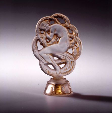 9-Ambre-de-Siam-pour-Volnay-1920_Lalique.jpg
